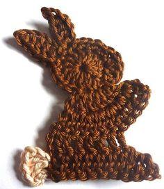 Osterhäschen crocheted himself - a little guide - häkeltrophäen. Crochet Diy, Easter Crochet, Crochet For Kids, Crochet Applique Patterns Free, Crochet Motifs, Knitting Patterns, Crochet Embellishments, Crochet Rabbit, Holiday Crochet