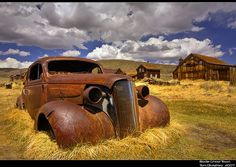 Rusty car, beautiful... #rusty - Would love to have this as yard art!