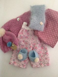 Suitcasedoll clothes