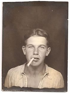 Time Pictures, Old Pictures, Old Photos, Vintage Photographs, Vintage Images, Vintage Men, Vintage Magazine, Vintage Photo Booths, Photos Booth