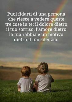 Citazioni Aforismi sull'amicizia One Day Quotes, Bff Quotes, Quote Of The Day, Love Quotes, Italian Phrases, Italian Quotes, Life Inspiration, Picture Quotes, Sentences