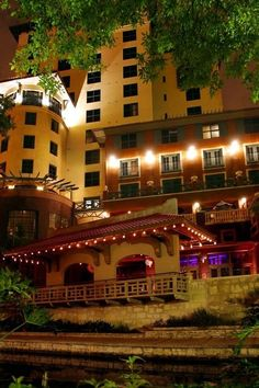 Rated as one of the best hotels in the world. Valencia Riverwalk, San Antonio