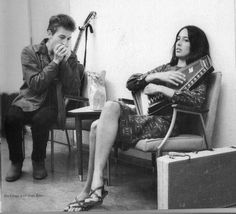 Bob Dylan and Joan Baez jam. Another power couple of the past...