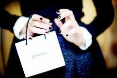 follow me http://valeloveschanel.blogspot.it/