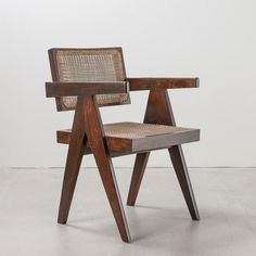 Pierre Jeanneret, Chandigarh, Le Corbusier, Woodworking Furniture, Chair Fabric, Dining Room Design, Modern Chairs, Chair Design, Furniture Design