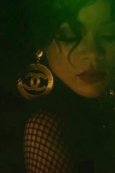 ** Chanel Vintage CC Large Gold Sunburst Earrings, Rihanna: Pour it Up ** Rihanna Love, Rihanna Photos, Rihanna Fenty, Rihanna Music, Vintage Chanel, Chanel Earrings Classic, Playboy Bunny Costume Halloween, Isnt She Lovely, Photo Jewelry