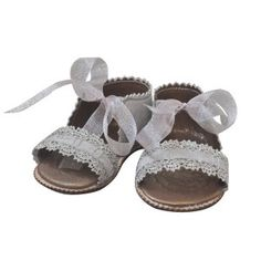 little sandals with ribbons by Chupeta.