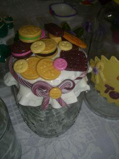 Biscuits em pote de biscoitos