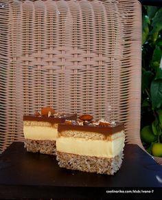 Tosca kocke -jedan lagani kolačić sa makom,kokosom..U mojoj verziji je mak zamijenjen bademima,al ga nisam skroz izostavila,pa tko voli isprobajte ovaj kremasti lagani kolačić...