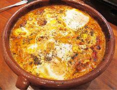 Shakshuka – Nord-afrikanske kjøttboller med krydret saus og egg