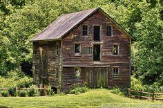 http://cdn.c.photoshelter.com/img-get/I0000Dk__stSagfE/s/850/850/Abandoned-barnBarn-2-HDR.jpg