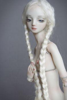 http://www.enchanteddoll.com/project/lily/