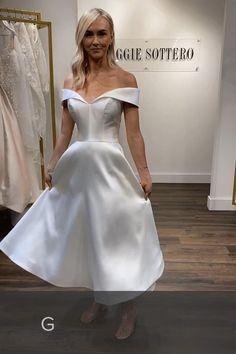 Short Wedding Gowns, Maggie Sottero Wedding Dresses, Dream Wedding Dresses, Bridal Dresses, Tea Length Wedding Dress, Pretty Dresses, Beautiful Dresses, Long Dresses, Short Styles