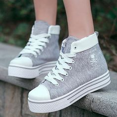 40 Beautiful Sneakers That Show How Everything About Girls Are Pretty And Trendy - Style O Check Pretty Shoes, Beautiful Shoes, Cute Shoes, Me Too Shoes, Girls Sneakers, Girls Shoes, Sneakers Fashion, Fashion Shoes, Kawaii Shoes