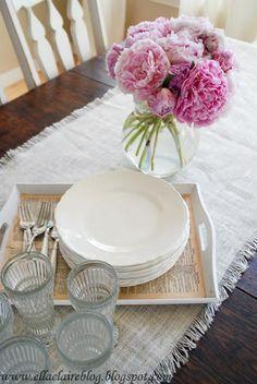DIY Tutorial: DIY Burlap Crafts / DIY Pottery Barn Burlap Table Runner - Bead