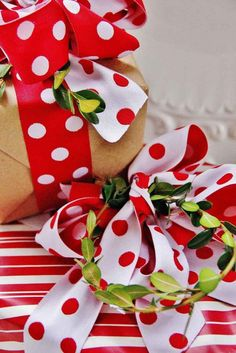 Here's a few creative gift wrapping ideas for the upcoming holiday season!