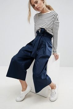Buy Tailored Wide Leg Culotte with Paper Bag Waist Navy - Women's Workwear Suits - LNIXYUX. Women's Workwear Suits - Tailored Wide Leg Culotte with Paper Bag Waist Navy - Women's Workwear Suits - LNIXYUX. Culottes by Collection Stretch woven cotton High r Work Fashion, Fashion Pants, Fall Winter Outfits, Spring Outfits, Outfit Stile, Paper Bag Waist Pants, Elegantes Outfit, Navy Women, College Outfits