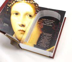 Seguro que has visto en alguna película esconder un objeto en el interior de un libro hueco. ¿por qué no usar esta idea para entregar un detalle de una manera sorprendente?  http://comosorprenderatupareja.wordpress.com/2014/01/27/el-libro-hueco/