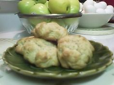 Watched my roommama make these: Civil War Applesauce cookies. Retro Recipes, Old Recipes, Vintage Recipes, Cookie Recipes, Dessert Recipes, Victorian Recipes, Recipies, Colonial Recipe, War Recipe