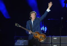 Musician Paul McCartney performs at Dodger Stadium on August 10, 2014 in Los Angeles, California. (Photo by Jason Kempin/Getty Images)