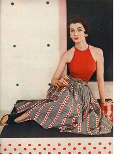 June Vogue 1953 Photographed by Horst P Horst Source by bluevelvetvtg clothing vintage Vintage Mode, Moda Vintage, Style Vintage, Vintage Beauty, Vintage Looks, Vintage Inspired, Vintage Pins, Vintage Outfits, Vintage Dresses