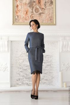 Купить или заказать Платье «Кокетка» в интернет-магазине на Ярмарке Мастеров. Платье из Вискозы. Футляр с завышенной талией, отрезное по талии. Прилегающего силуэта, с карманами, сзади на потайной молнии и шлицей. Длинный рукав, пояс съемный. Платье классического покроя. Ткань совершенно не мнется, очень мягкая и приятная к телу. В тоже время она плотная и держит форму. Есть боковые карманы, пояс съемный, сзади на потайной молнии и шлицей.