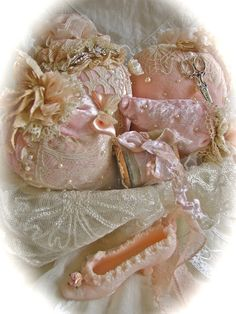 pink velvet, lace pearl for a nice dream