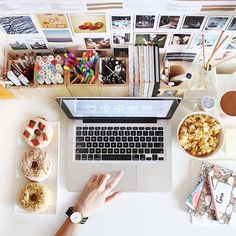 study space and stationary organisation is everything!This study space and stationary organisation is everything! Desk Inspo, Desk Inspiration, Study Space, Desk Space, Desk Nook, Study Rooms, Back To University, Diy Rangement, Room Goals