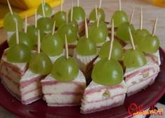 Yummy Appetizers, Appetizers For Party, Appetizer Recipes, Tea Time Snacks, Party Snacks, Brunch Buffet, Czech Recipes, Food Decoration, Savory Snacks