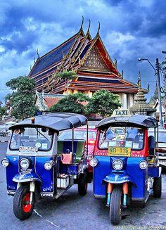 Tuk Tuks at Wat Po . Thailand