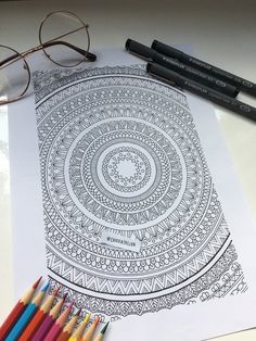 Doodle Art Drawing, Mandala Drawing, Pencil Art Drawings, Random Drawings, Mandala Tattoo, Animal Drawings, Mandala Art Lesson, Mandala Artwork, Square Drawing