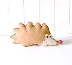 Stuffed Hedgehog PATTERN // Felt Soft Toy Decoration PDF // Easy // Instant Download