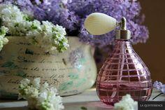 Mgiełka do twarzy z kwiatów bzu.  #laquintessence #kremdlamnie #bez #mgielka #pielegnacja