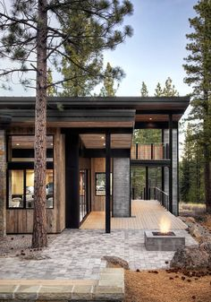 Who else wants this forest house? The Butterfly House is designed by Sagemodern and is located in // Photo by Lisa Petrole - Architecture and Home Decor - Bedroom - Bathroom - Kitchen And Living Room Interior Design Decorating Ideas - Mountain Modern, Mountain Homes, Modern Exterior, Exterior Design, Exterior Paint, Exterior Houses, House Exteriors, Residential Architecture, Architecture Design