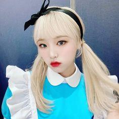 Kpop Girl Groups, Kpop Girls, Eyes On Me, Fandom, Yu Jin, Japanese Girl Group, The Wiz, Anime Art Girl, Cool Girl