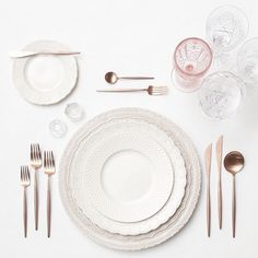 """Wedding Instagrammers to Inspire Your Big Day : @casadeperrin this husband-and-wife team identify as """"tabletop curators."""" Their Instagram is filled with take-your-breath-away place settings that master that elusive layered mix."""