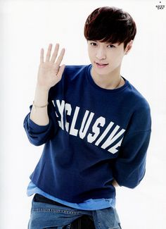 Beautiful Zhang Yixing 张艺兴 (Lay 레이) from EXO-M was born in China October 7, 1991