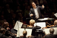 At Kennedy Center, Philadelphia Orchestra's new leader turns up the volume