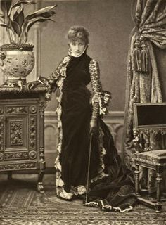 Google Image Result for http://the100.ru/images/womens/id891/1837-Sarah-Bernhardt-002.jpg