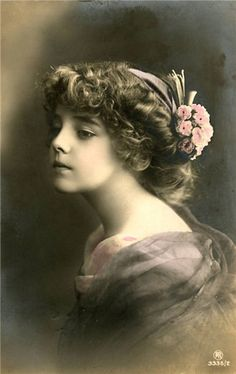 Vintage- Little Grete Vintage Children Photos, Images Vintage, Vintage Girls, Vintage Pictures, Vintage Photographs, Old Pictures, Old Photos, Photo Postcards, Vintage Postcards