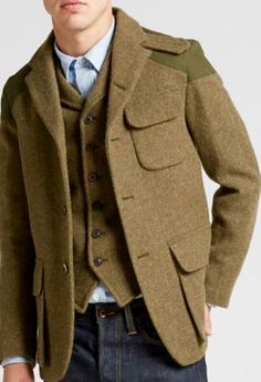Mens Clothing Guide, Mens Clothing Styles, Classic Fashion Looks, Military Fashion, Mens Fashion, Slim Fit Tuxedo, Men Accesories, Safari Jacket, Tweed Suits