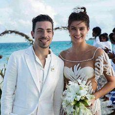 Isabeli Fontana and Diego Ferrero, 2016 - The bride wore: Agua de Coco Isabeli Fontana, Seaside Wedding, Chic Wedding, Wedding Album, Wedding Wishes, Sheer Wedding Dress, Wedding Dresses, Maldives Wedding, Maldives Beach