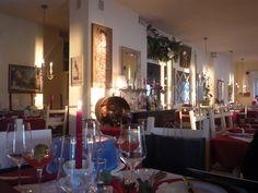 Lido Austria, Table Settings, Candles, Home, Ad Home, Place Settings, Candy, Homes, Candle Sticks