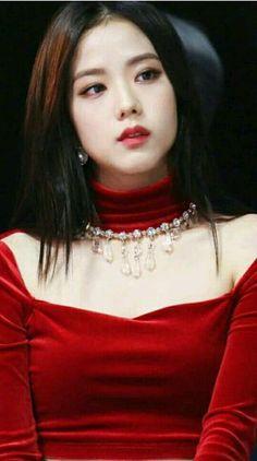 Blackpink in your area. Blackpink Jisoo, Kpop Girl Groups, Kpop Girls, K Pop, Korean Girl, Asian Girl, Black Pink ジス, Blackpink Members, Haircuts For Fine Hair