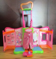Polly Pocket Stage Fashion Show Catwalk for Magnetic Dolls