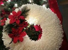 Photo of DIY Coffee filter wreath Coffee Filter Projects, Coffee Filter Crafts, Coffee Crafts, Coffee Filters, Christmas Projects, Holiday Crafts, Christmas Wreaths, Christmas Decorations, Christmas Ideas