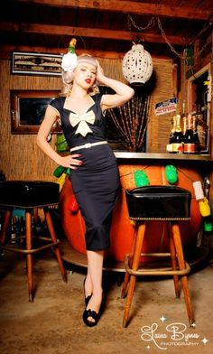 Tiki bar photo by Laura Byrnes