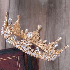 home accents luxury Luxury / Gorgeous Gold Metal Wedding Accessories 2018 Crystal Rhinestone Tiara Cute Jewelry, Hair Jewelry, Wedding Jewelry, Fashion Jewelry, Jewellery, Jewelry Sets, Wedding Headband, Bridal Tiara, Bridal Crown
