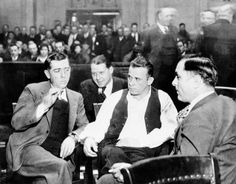 JOHN DILLINGER IN COURT, CROWN POINT, INDIANA, 1934...