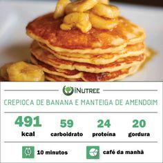 Crepioca deliciosa em apenas 10 minutos!  Massa: - 2 ovos inteiros - 3 cs de aveia em flocos finos - 1 banana  Recheio: - 1 banana - 1 cs manteiga de amendoim  Modo de preparo: - Bata os ingredientes da massa em um liquidificador e faça panquecas em uma frigideira. - Corte a banana em pequenas rodelas e recheie junto com a manteiga de amendoim.  DICAS: - Retirar a banana da massa resulta em menos 23g de carboidrato e 90kcal ou seja se quiser uma refeição low carb esta é uma ótima…